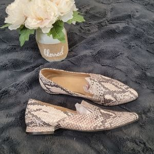 Able Local + Global Snakeskin Pointed Toe Flats 7